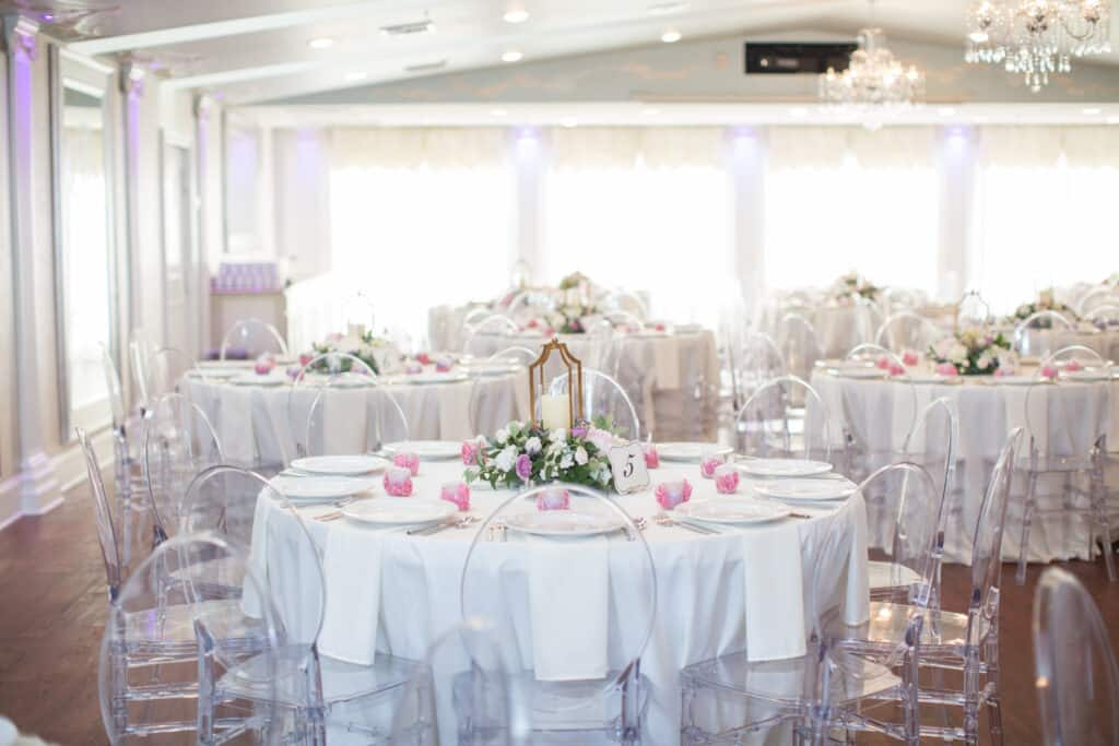 Selecting Your Virginia Wedding Venue | Entwined Events | Venue: The Bedford Columns in Bedford, VA | Photo Credit: Alison Elizabeth Photography