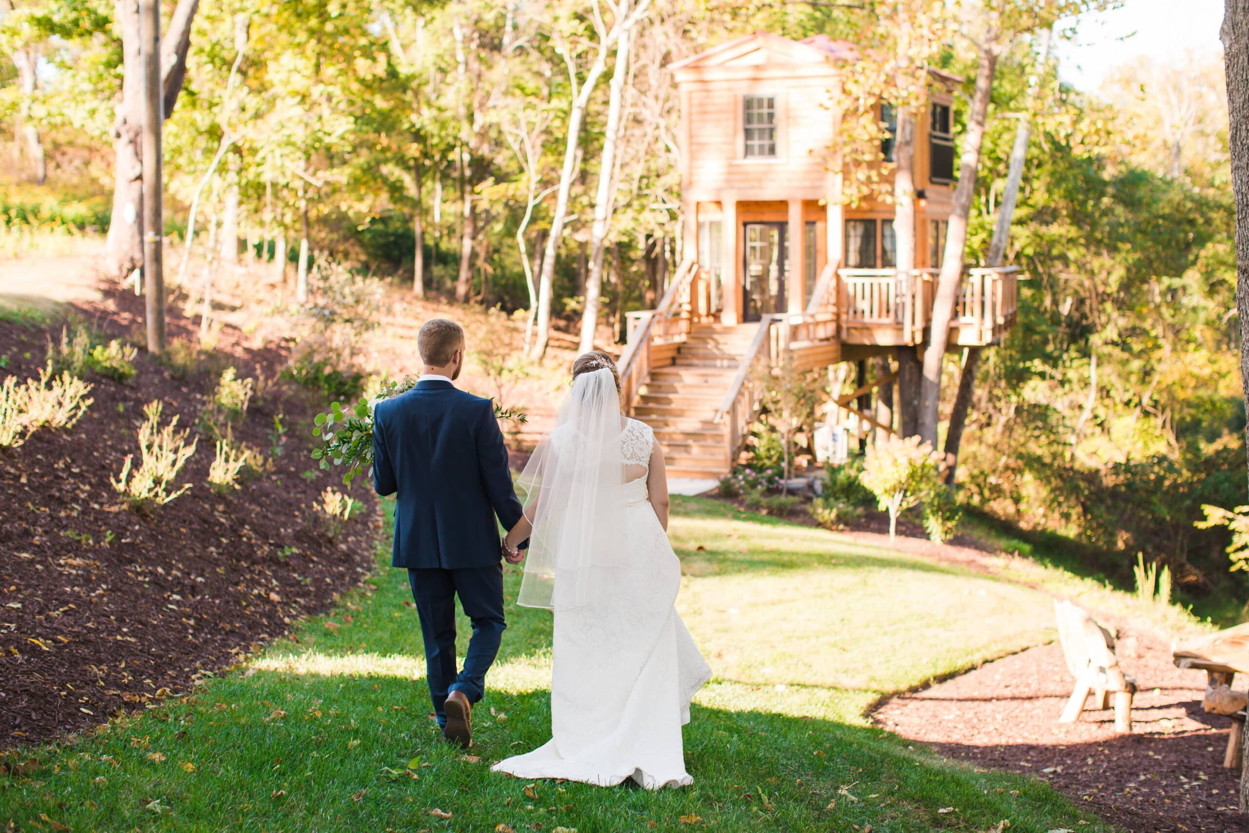 Selecting Your Virginia Wedding Venue | Entwined Events | Venue: Bella Rose Plantation in Lynchburg, VA | Photo Credit: Kidd Photography